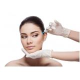 preenchimento facial na área dos olhos em clínica Chácara Klabin